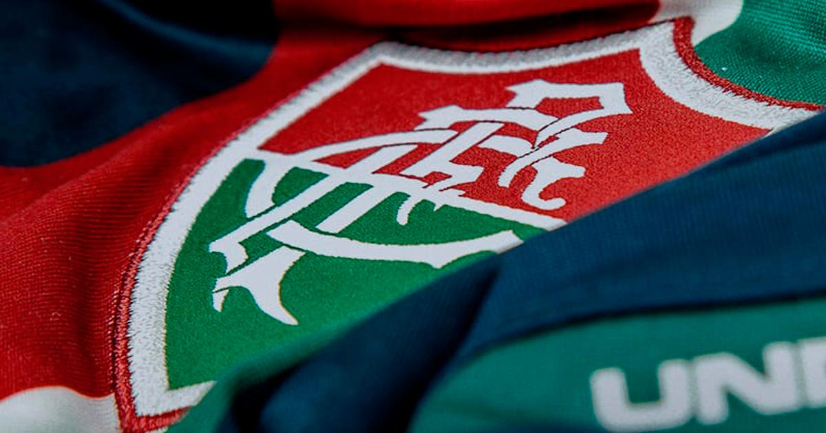 Fluminense anuncia copo personalizado inspirado na nova terceira camisa -  EXPLOSÃO TRICOLOR d7cd6537f7c8a